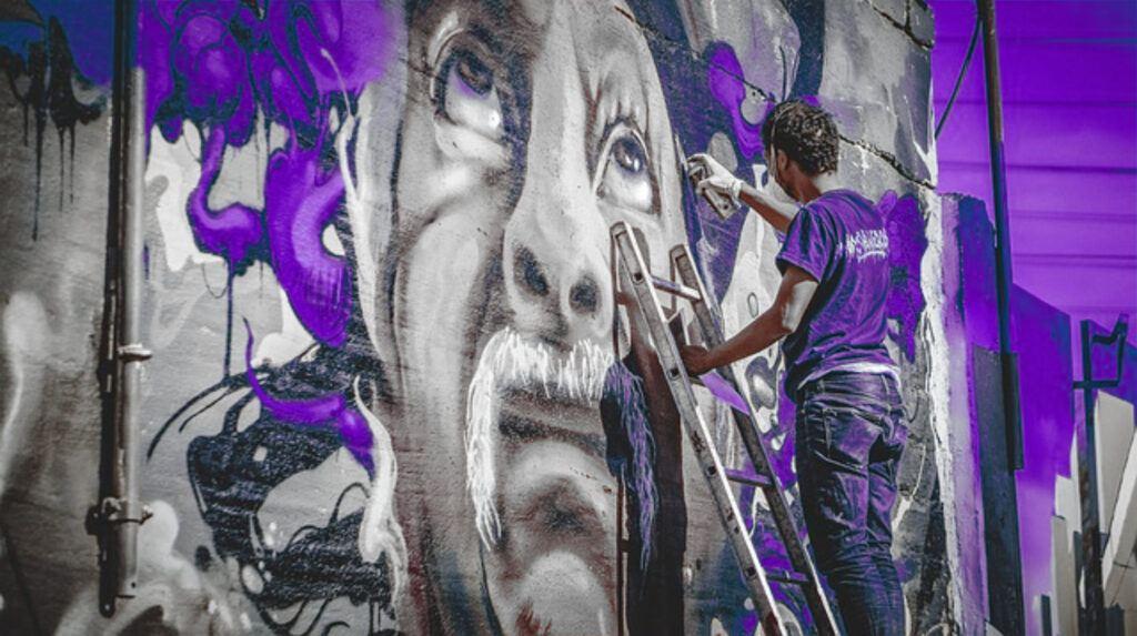purple-graffiti